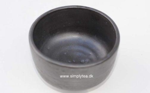 Raku Chawan sort drikkeskål for matcha te